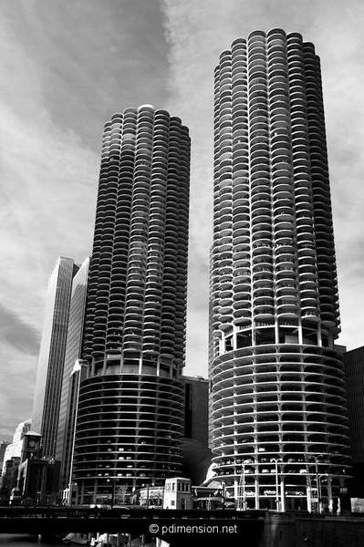20120105_020_Chicago_Marina-city.jpg